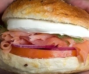 3 sabores do cardápio que vão te fazer aproveitar o verão na Smoked Burger's